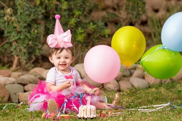 צעצועים מתאימים לגיל להתפתחות הילד - לגיל שנה